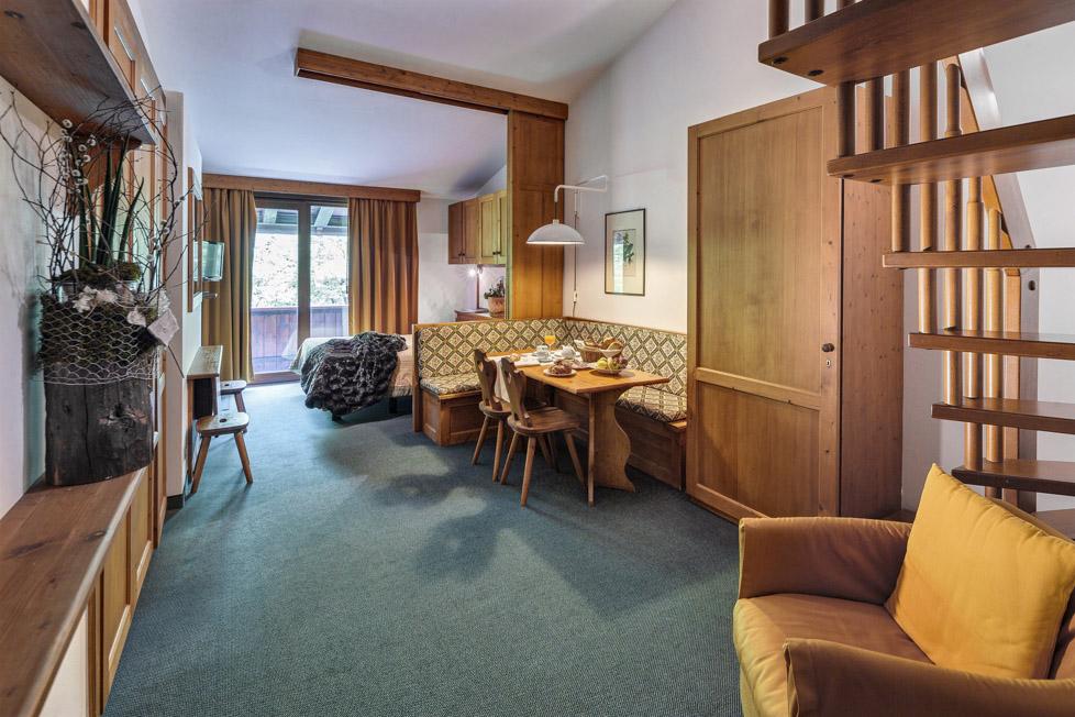 SUITE PER 4 PERSONE – HOTEL CRISTALLINO – CORTINA D\'AMPEZZO – Kadima ...